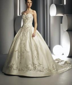 Chapel-train-sleeveless-sweetheart-champagne-wedding-dresses-wdd0022